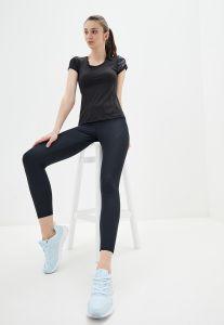 Женский костюм для фитнеса с футболкой