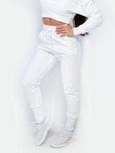Женские спортивные штаны молочные